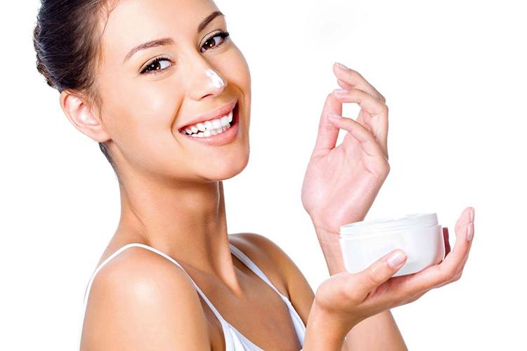 Увлажняющий уход за кожей лица в домашних условиях